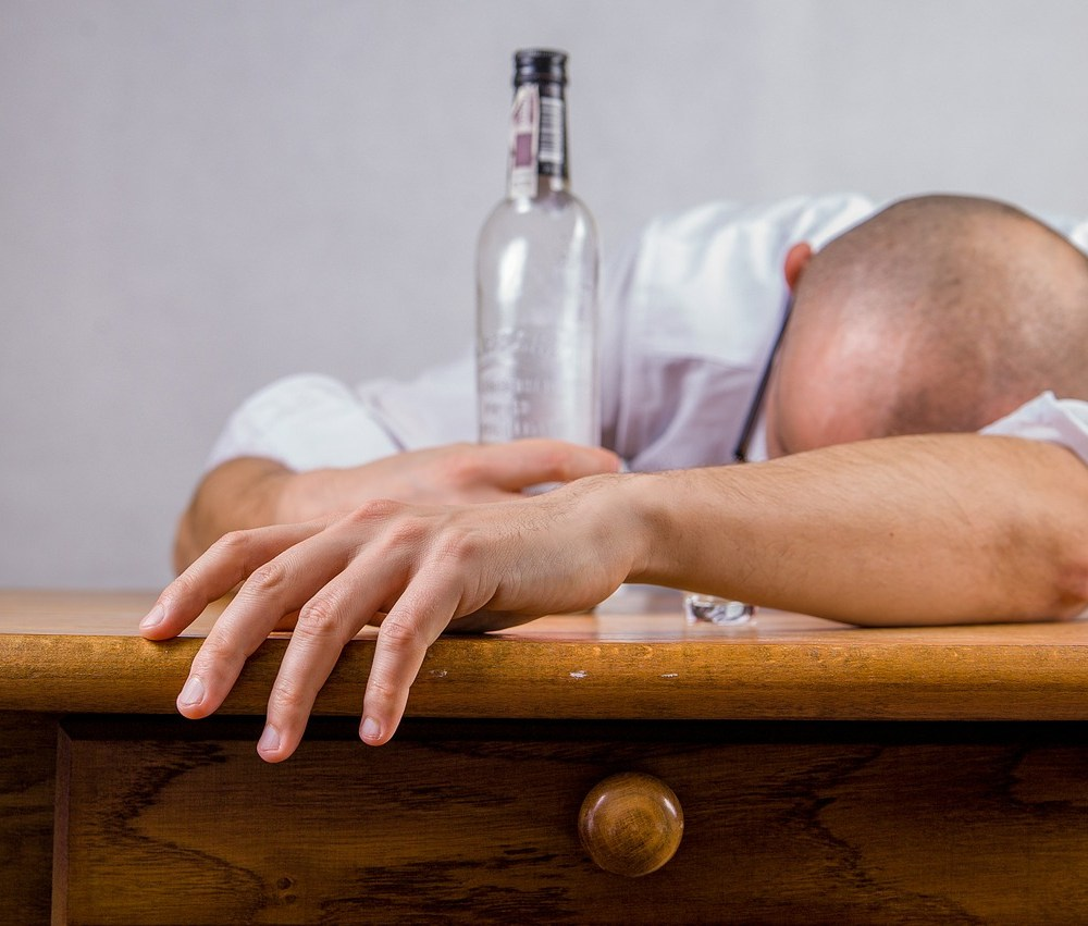 Guys, Stop Drinking Alcohol Months Before Conceiving (Study) - It's for Your Baby's Health