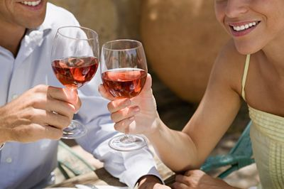 Pourquoi le vin donne t il mal à la tête ?
