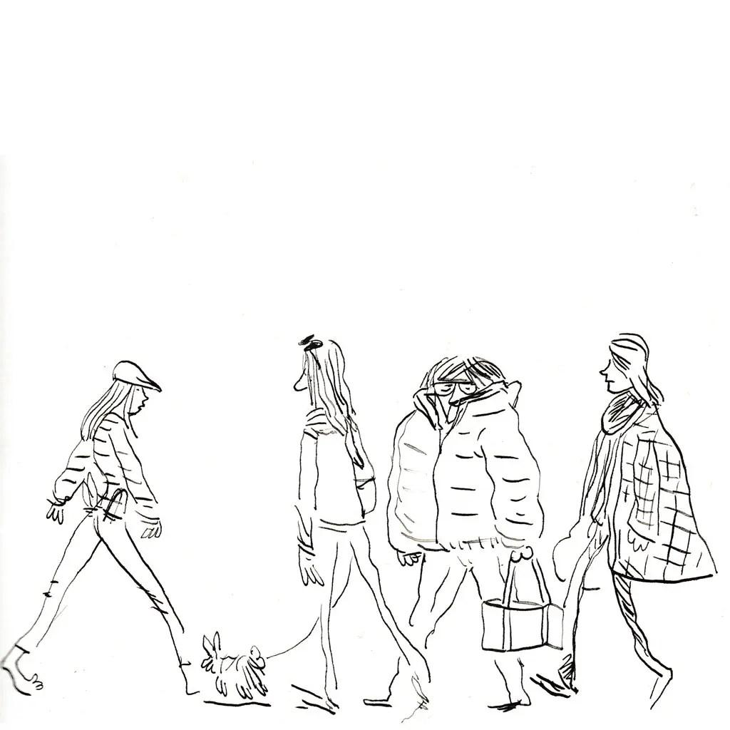 Quelques dames marchant sur la plage