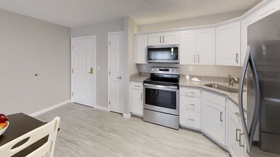 1200-Jewel-Drive-Kitchen