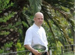 chef carl wins SASSI sustainable seafood-practice award