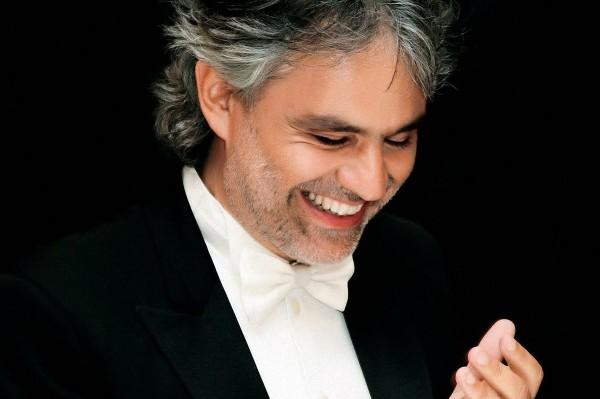 Andrea Bocelli también actuará en los MTV EMAs