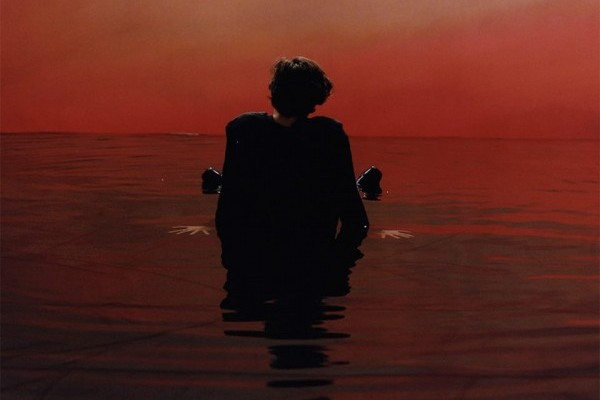 Harry Styles consigue el #1 en el iTunes mundial, con 'Sign of the Times'