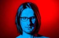 Steven Wilson lidera de momento la carrera por el #1 en álbumes, en UK, con 'To The Bone'