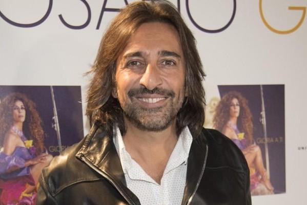 Antonio Carmona, en coma inducido, debido a una infección