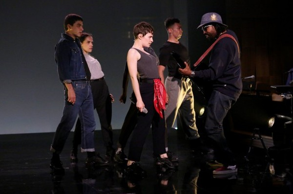 Christine and the Queens, también arrasa en 'The Tonight Show' con Jimmy Fallon
