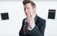 Rick Astley estrena el vídeo de 'Beautiful Life' y nueva canción, 'Empty Heart'