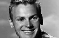 Fallece a los 86 años, el cantante y actor, Tab Hunter