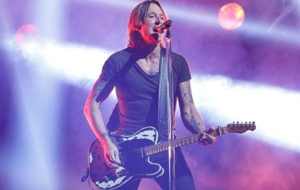 Keith Urban, Kacey Musgraves y Chris Stapleton, brillan en los CMA Awards