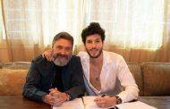 Sebastián Yatra renueva su contrato con Universal Music