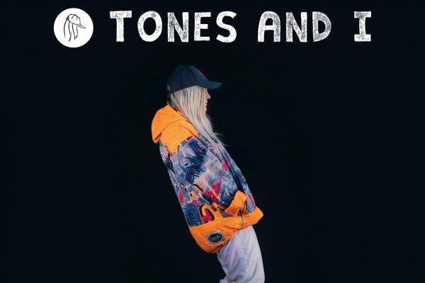 Tones And I sin oposición será #1 en UK por sexta semana consecutiva con 'Dance Monkey'