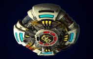Jeff Lynne's ELO consigue su cuarto #1 en UK con 'From Out Of Nowhere'