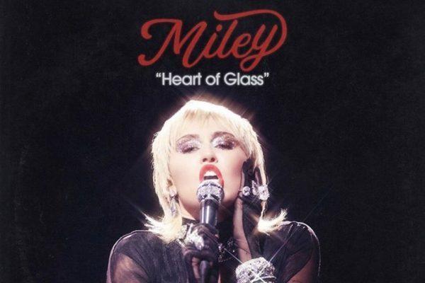 Miley Cyrus publica en plataformas digitales, su versión del clásico de Blondie, 'Heart of Glass'