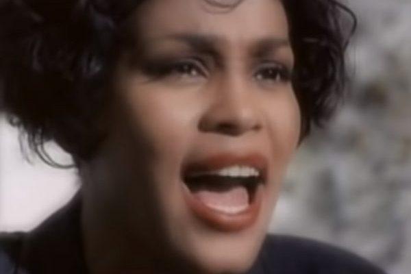 'I Will Always Love You' de Whitney Houston, supera los 1.000 millones de views en YouTube