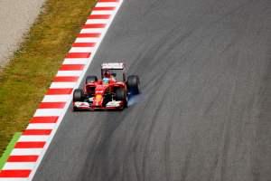 Mika Häkkinen: Mercedes epäonnistui taktiikassaan, sade tasaa pelikenttää armottomasti.