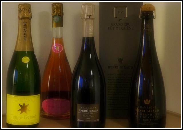 Fire Champagner, heraf 3 smagt og én i kælderen