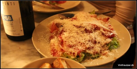 Tørret inderlår, hjertesalat og parmesan