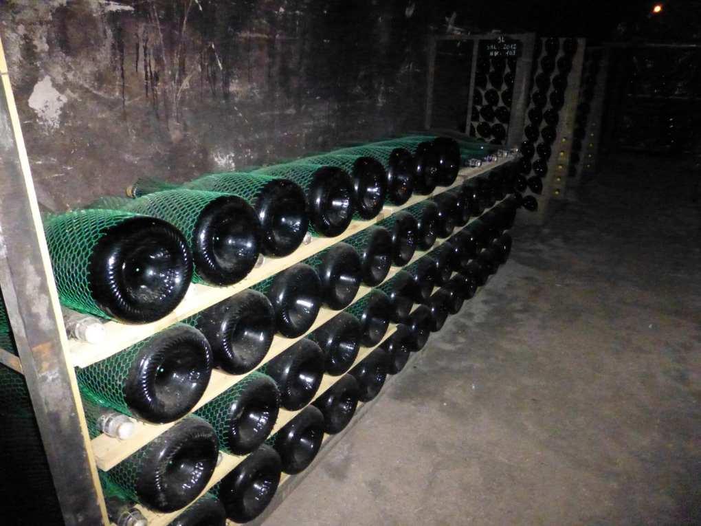 Bottiglie di Franciacorta Bellavista in affinamento