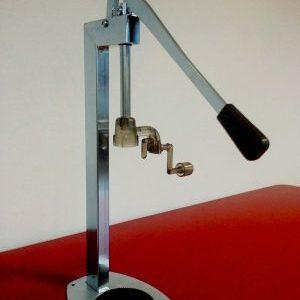 Uzatváračka na košíky na sekt