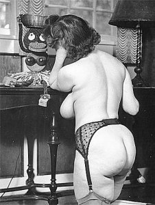 Vintage milf, from the rear