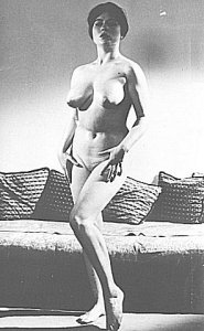 Vintage MILF topless in the living room