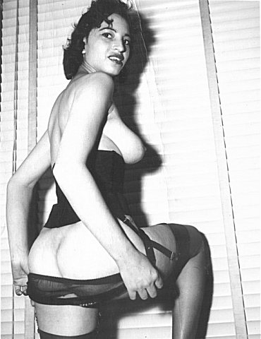 Nude picture of sarah vandella