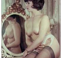 Vintage girl in Mirror