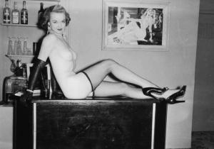 Pin-up Judy O'Day 7