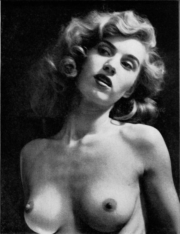 Marilyn_Waltz_Playboy9