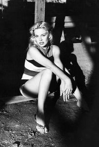 Sally Todd Modeling 05