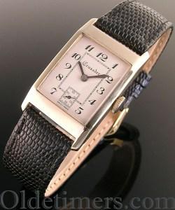 1930s 9ct gold rectangular vintage Crusader watch (32409)