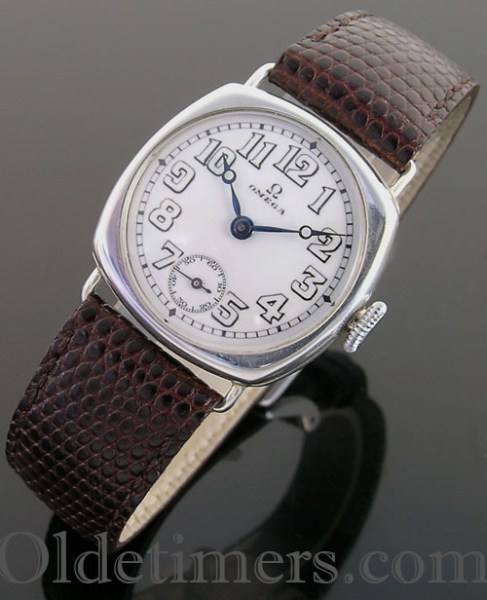 1915 cushion silver vintage Omega watch (3563)
