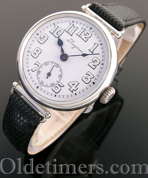 1918 round silver vintage Longines 'Officers' watch (3562)