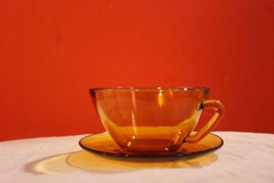 Lot de 4 tasses et sous tasses vintage vereco made in France ambré