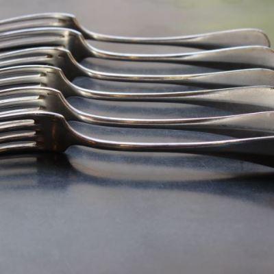 Anciennes fourchettes en argent