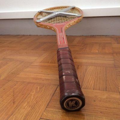 Ancienne raquette de tennis