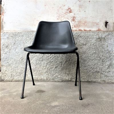 Authentique chaise Robin Day