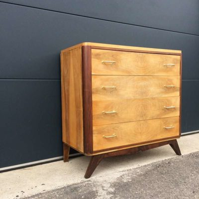Commode vintage