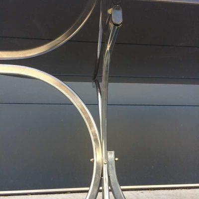 table plateau verre fumé structure métal chromé