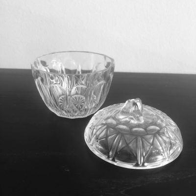 Sucrier vintage en verre taillé