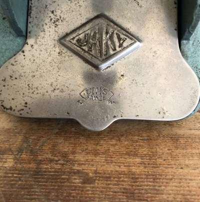 ancien perforateur 2 trous jaky uni france vintage
