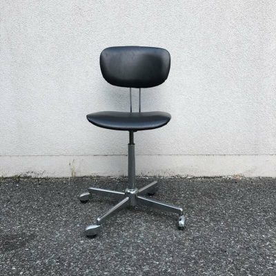 Chaise bureau vintage à roulettes