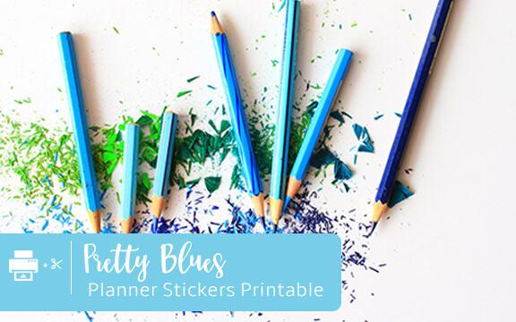 blue colored pencils