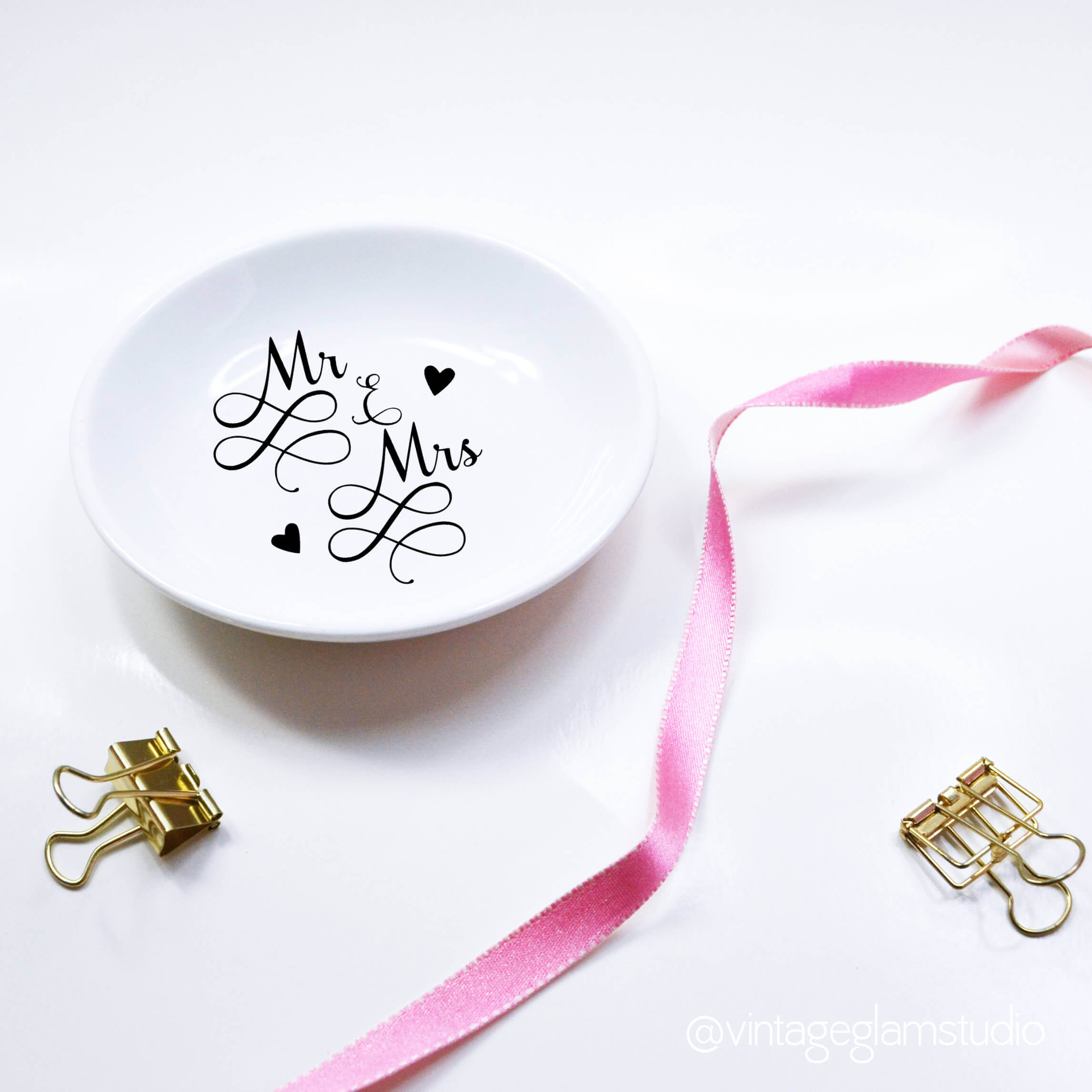 trinket dish - Mr & mrs cut file