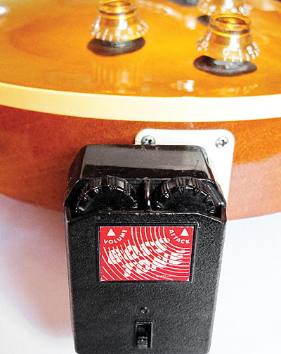 Vintage Fuzz That Plugs Directly Into A Guitar Guitarpedals