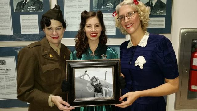 1940s Vintage Outfits at a 1940s Lindy Hop Dance