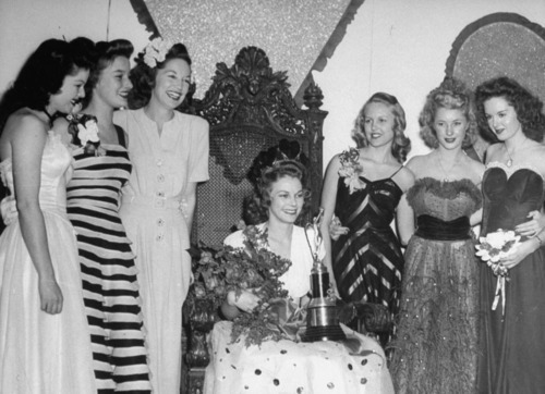 1940s Prom Queen and prom dresses