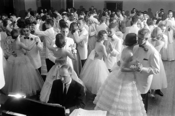 1950s Highschool Prom