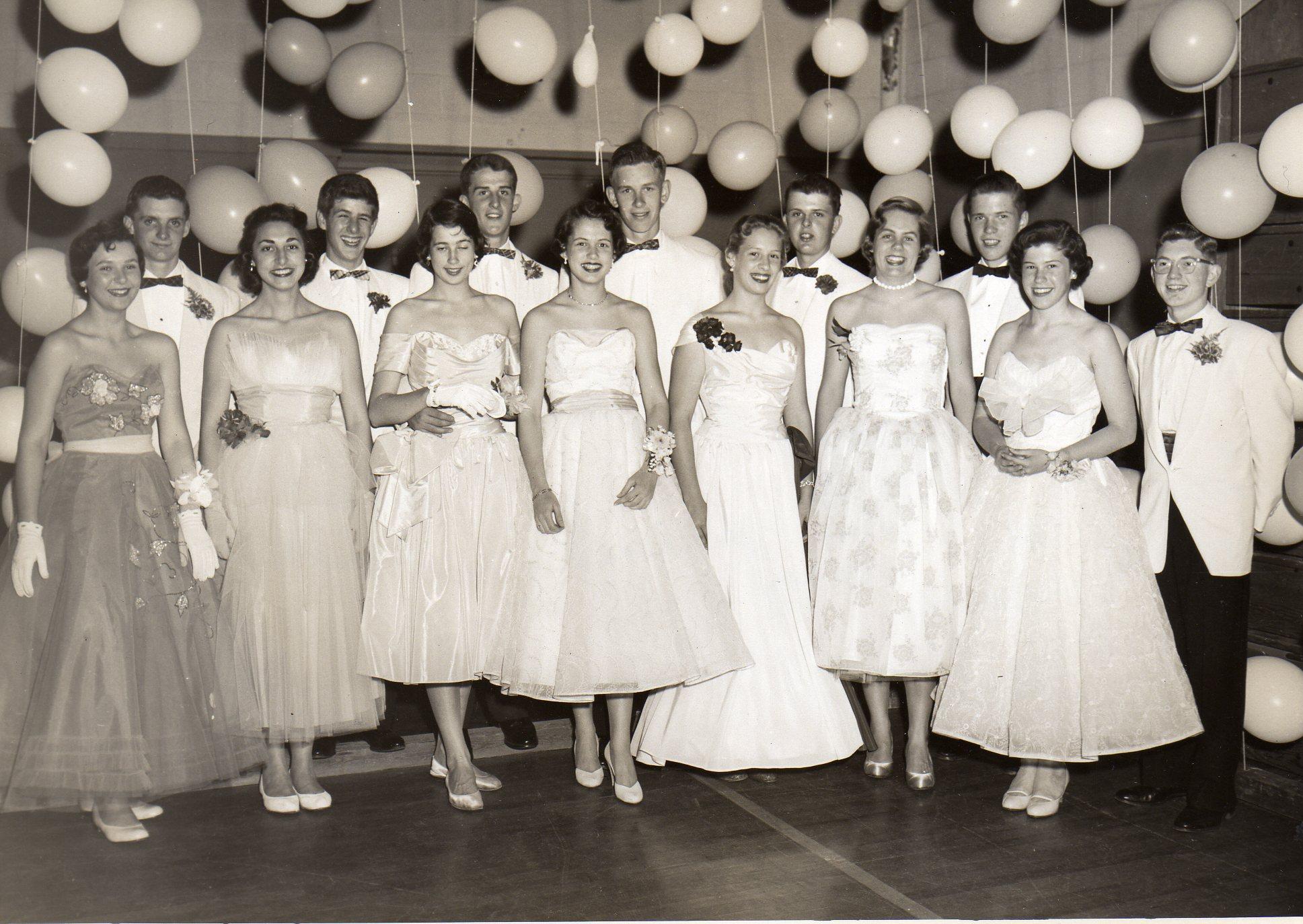 Fein 1950 Prom Kleider Fotos - Brautkleider Ideen - cashingy.info