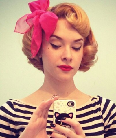 rockabilly vintage hairstyle 1950s